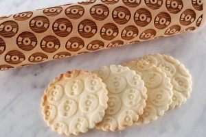 CD'S -  embossing rolling pin